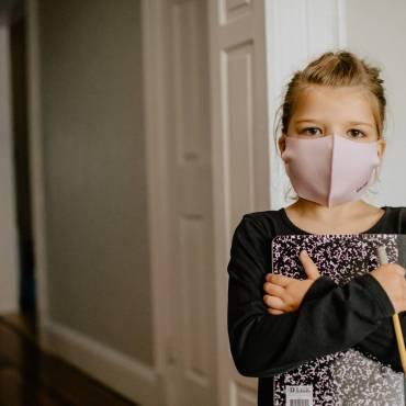 Efectele nebănuite ale unui an de singurătate asupra copiilor și adolescenților